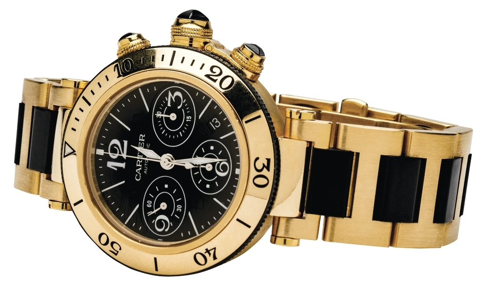 Cartier_Pasha_Seatimer_Chronograph_with_yellow_gold_and_black_rubber_dial.jpg